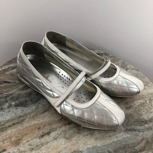 Cole Haan Shoes size 8.5 Leather Silver